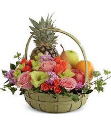 Корзина с продуктами «Fruits and flowers»